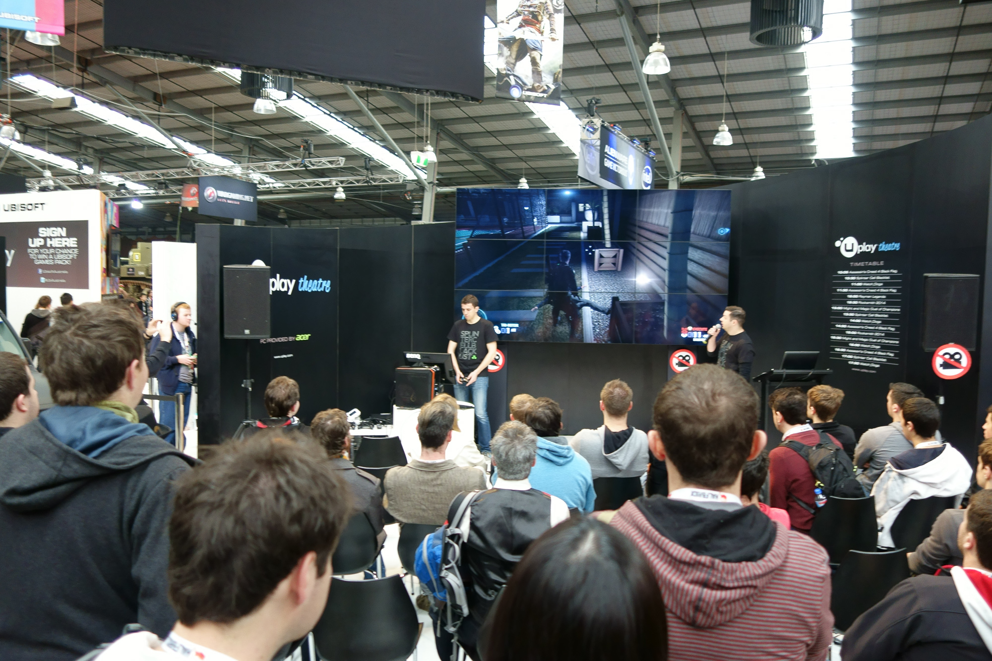 Splinter Cell Blacklist gameplay demo. Comes out on Steam August 20th, cannot wait.