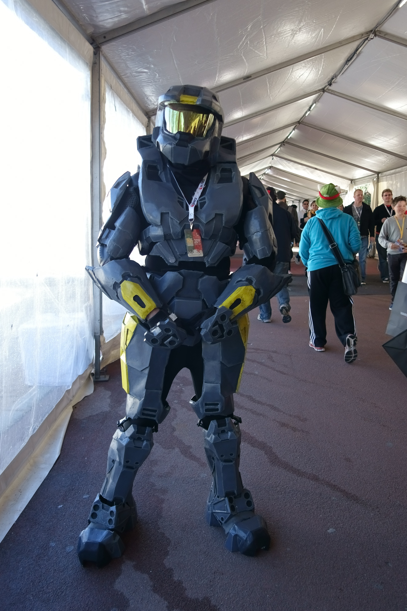 I think this guy is actually just a Spartan, not Master Chief himself, but then again, it's been ages since I've played Halo. Related: https://twitter.com/teen_news69/status/348333644995260416