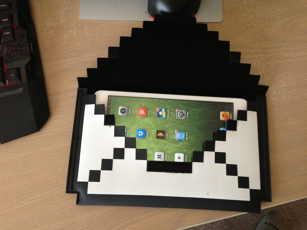 8-bit iPad mini envelope from [BigBigPixel](http://bigbigpixel.com)